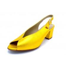 Dorking by Fluchos Xia D8213 Yellow | Zapato de piel con tacón 6 cm